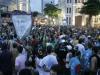 Arrastão do Frevo com o dia já claro na quarta-feira de cinzas no marco Zero