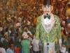 o Homem da meia noite arrastando multidão em Olinda