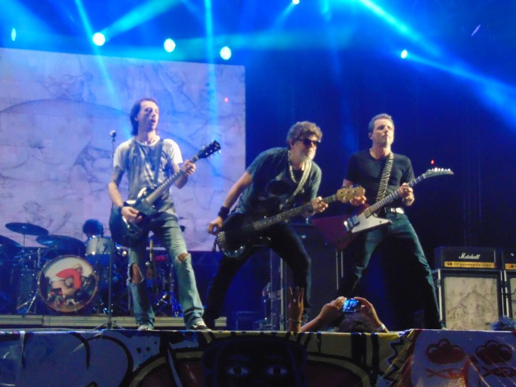 A Segunda a noite foi do Pop Rock no Marco Zero com grandes apresentações de Titãs, Jota Quest e Orquestra contemporânea de Olinda