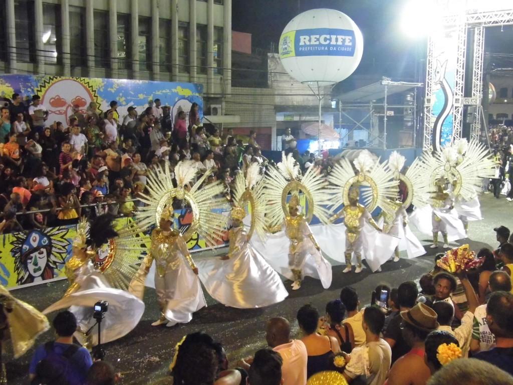Gigantes do Samba conquista Deca Campeonato das escolas de samba do Recife