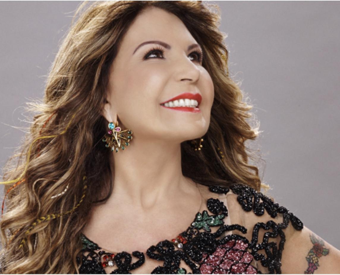 Dia 02/12 CAIXA de NATAL® comemora 5 anos com Elba Ramalho.
