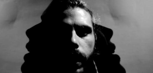 """Samico lança o single e clipe """"Além Mar"""" nesta segunda."""