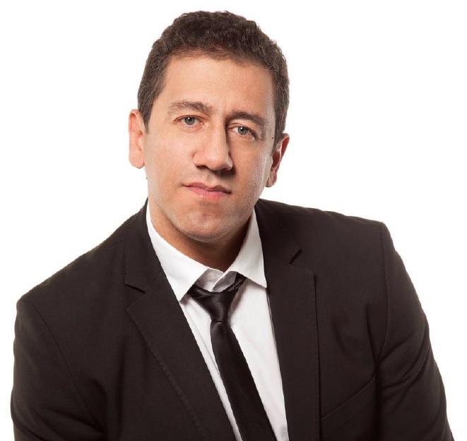 Altemar Dutra Júnior traz bolero e romantismo ao Clube das Pás. Show acontece sábado (26) a partir das 21h.
