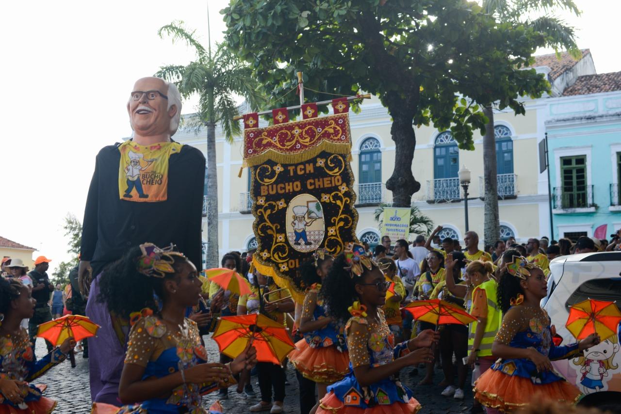 23 e 25 de fevereiro: Troça Carnavalesca Mista Bucho Cheio anima foliões no Carnaval de Olinda.